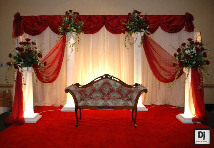 red-and-off-white-wedding-stage-decoration-with-lights.jpg (684×474)