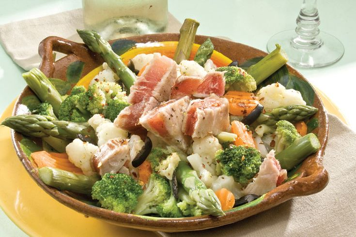 otra ensalada de verduras y tuna