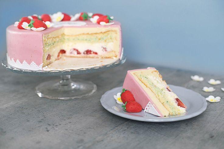 Mothers day Fondant cake  Muttertagstorte mit Erdbeeren und Fondant