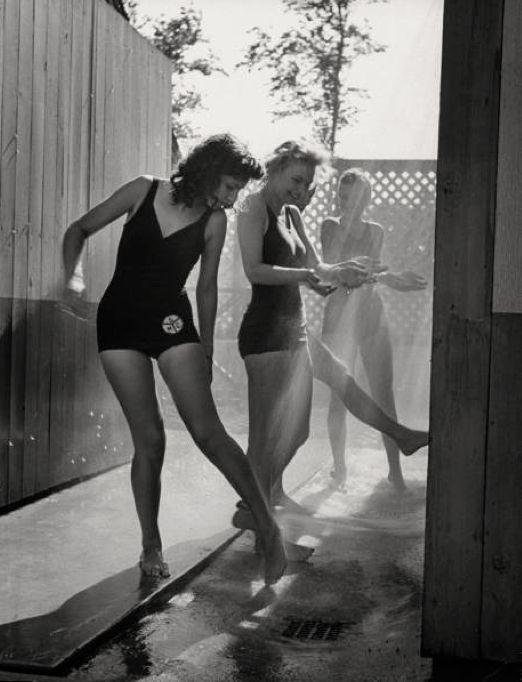 Chicago 1943 Photo: Charles E. Steinheimer. I kind of want that swimsuit.