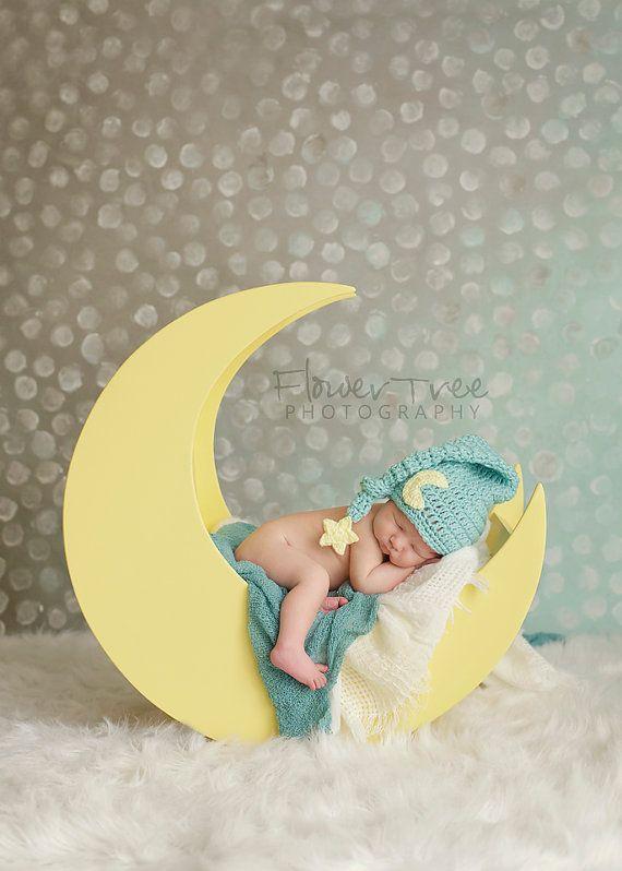 Hoi! Ik heb een geweldige listing gevonden op Etsy https://www.etsy.com/nl/listing/238890960/newborn-moon-hat-newborn-elf-hat-newborn