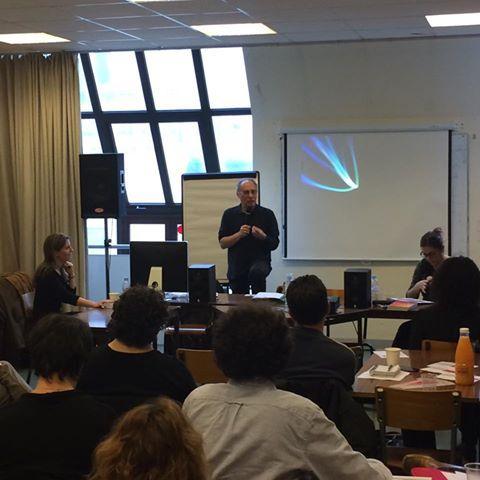 François Longerinas raconte l'expérience de l'emi à la conférence des Scop IdF sur le passage d'association en scop