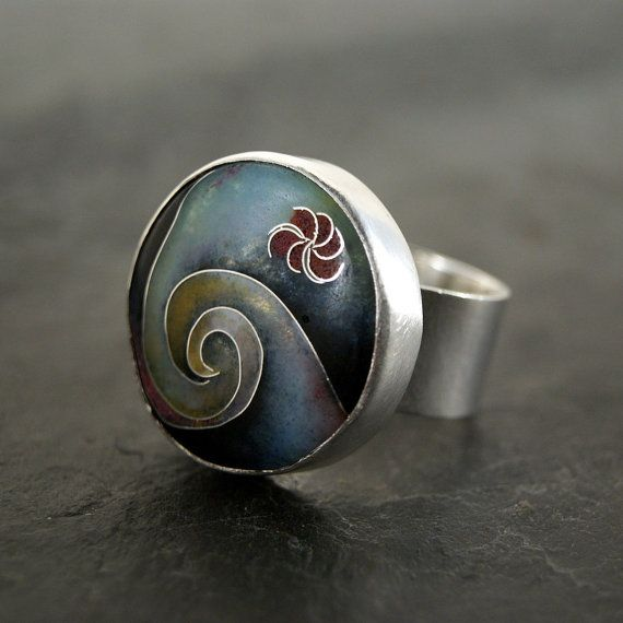 Summer Swells Cloisonne Enamel Ring in Sterling Silver di anatomi