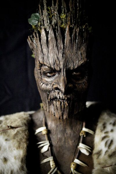 Fear Net's Alyse Wax TV Recap: 'Face Off' Episode 401 - 'Make It Reign' Eric Z. and Autumn had a jungle theme, and made their king a tiki king.