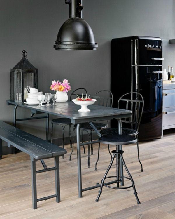 Kleurinspiratie voor in huis zwart in je interieur zwarte muren staan chique en maken een - Chique en gezellige interieur ...