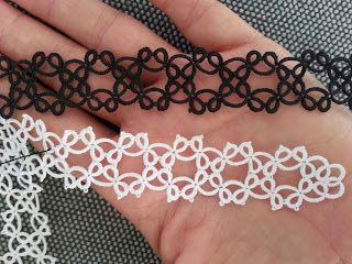 Simple tatting pattern: bracelet white and silver