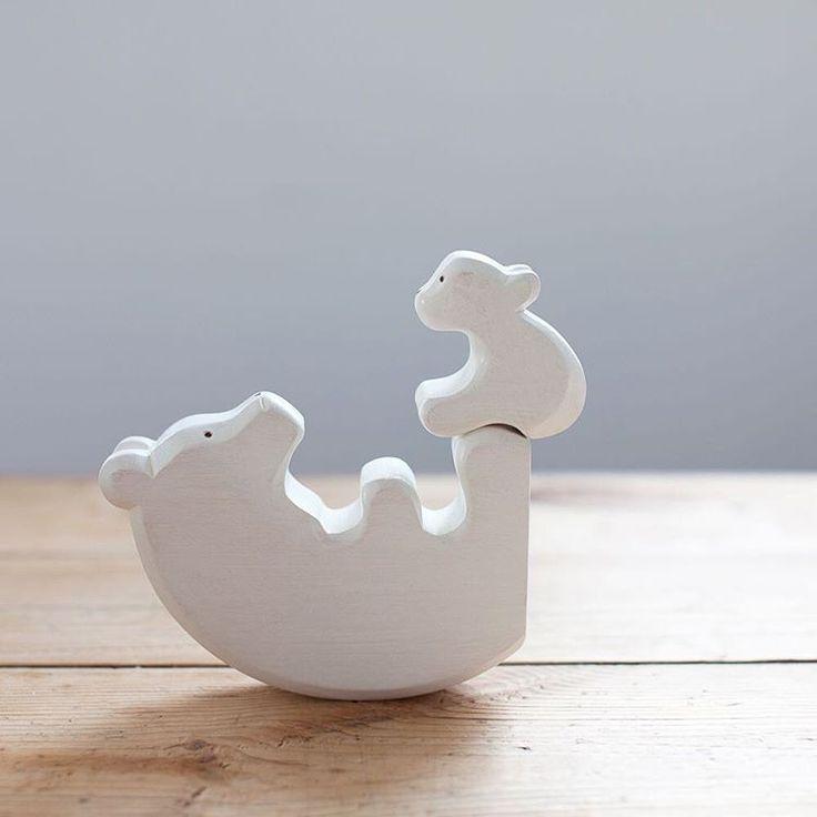 Simplemente hermosos <3 juguetes de madera , porque es bueno volver a lo simple :)