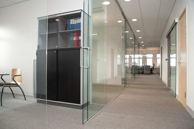 Flex slidedoor g och flex glassline en d rrl sning som for Oficinas orange barcelona