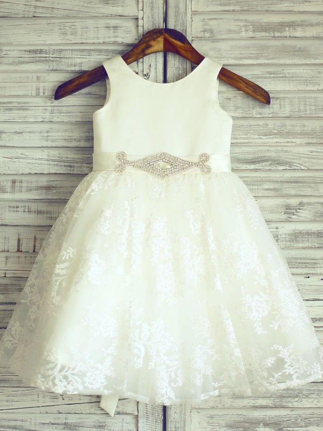 Princess Knee-length Flower Girl Dress - Lace / Satin Sleeveless Scoop with - USD $53.99 ! HOT Product! A hot product at an incredible low price is now on sale! Come check it out along with other items like this. Get great discounts, earn Rewards and much more each time you shop with us!