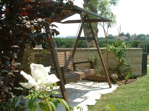 passim -  garden swing