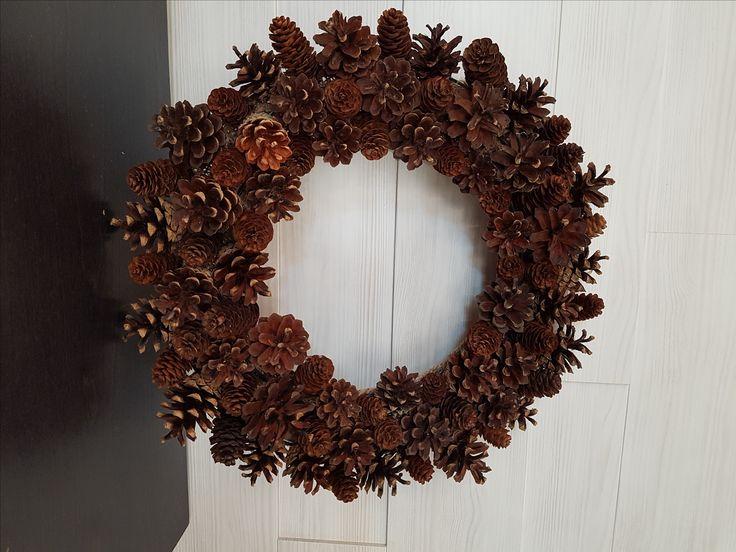 Fall Pinecone Wreath #wreath #wreathideas #pinecone #goldenforrest #goldenforrestcreations