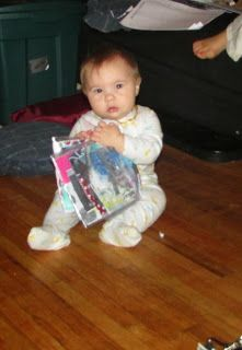 DIY drool-proof baby photo album book from ziploc bags and duct tape! Free baby entertainment!
