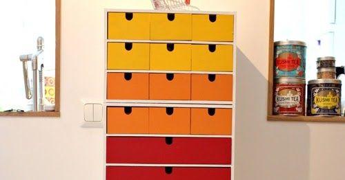 Här är en grej jag pysslat med på senaste tiden. Jag målade småbyråer från IKEA och satt ihop dom till en enda hög byrå.