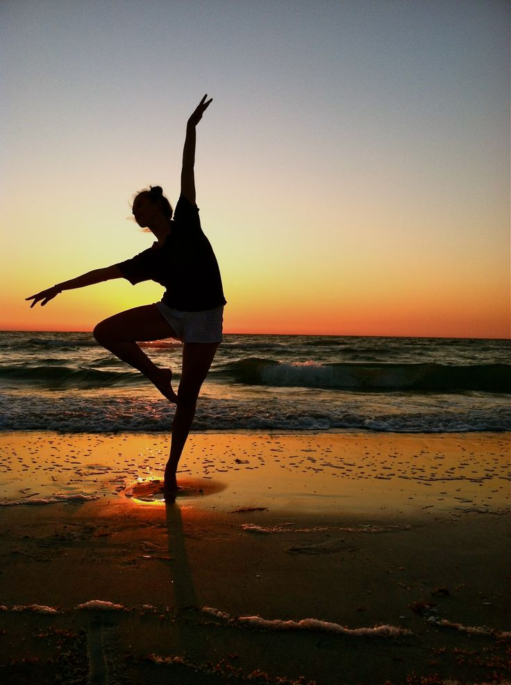 I love photos of dancers posing on the beach