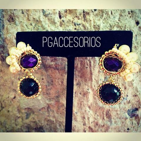 Handmade #pgaccesorios #chapadeoro #aretes #earrings #handmade #handmadejewelry #joyeria #hechoamano #hechoenmexico #perlas #onix #cristal