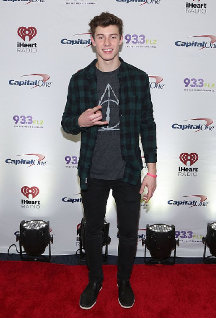 Shawn Mendes OMG he is wearing a Harry Potter shirt, it makes him even cutee than he already was<<<OMG I LITERALLY FOUND THIS ADORABLE, THEN I SAW THE DEATHLY HALLOWS!!!