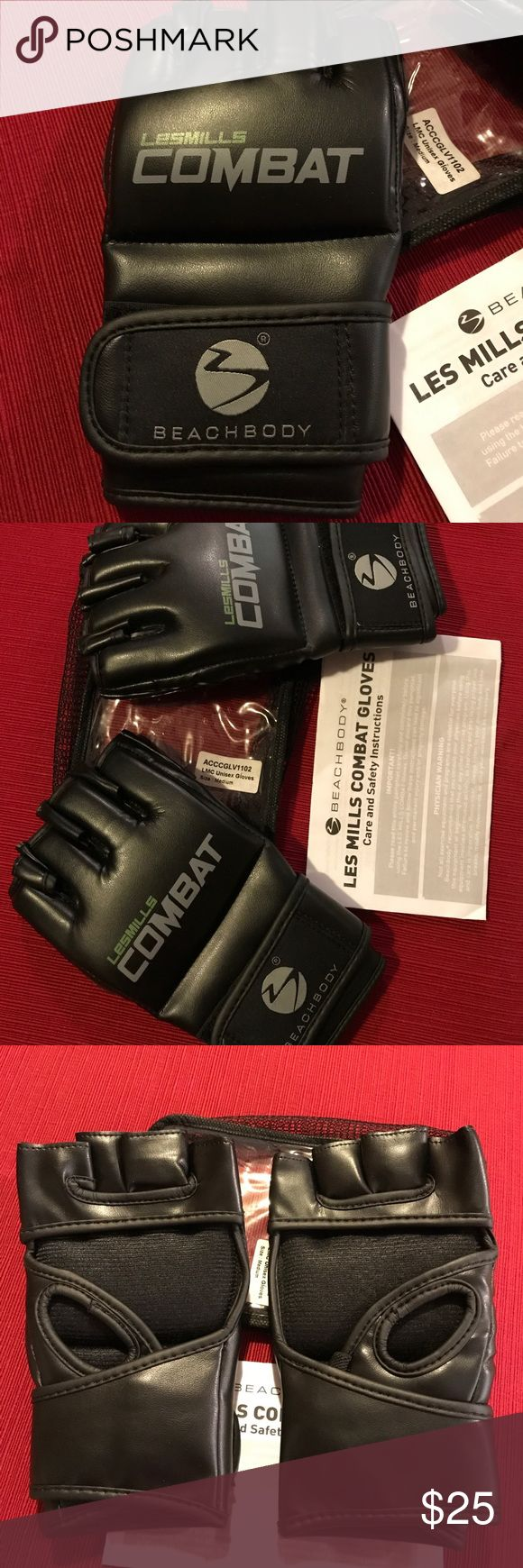 Les Mills Combat Gloves Les Mills Combat Gloves. New in storage bag. Care and safety instructions included. Size is medium Les Mills Combat Gloves Accessories Gloves & Mittens