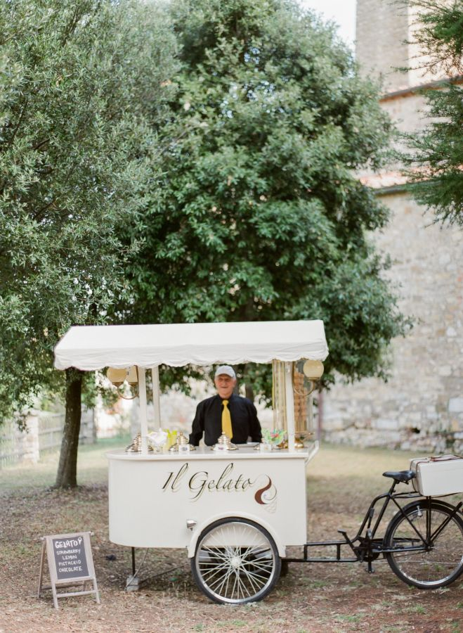 Gelato wedding station: http://www.stylemepretty.com/destination-weddings/italy-weddings/2016/11/15/destination-wedding-at-agroturismo-montelucci/ Photography: Peter & Veronika - http://peterandveronika.com/language/en/