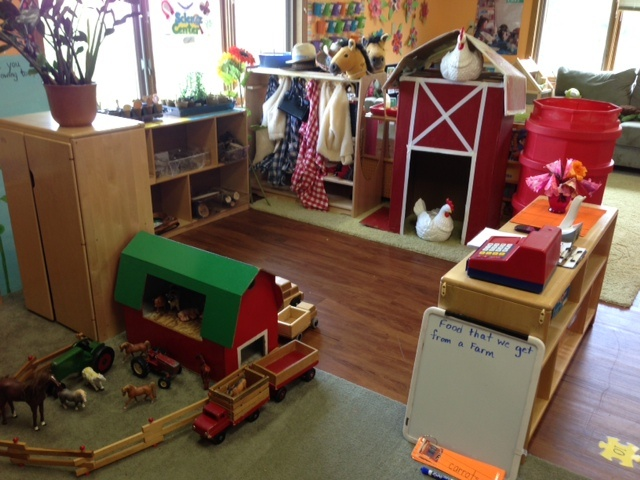 Dramatic play area barn unit farms pinterest for Play unit
