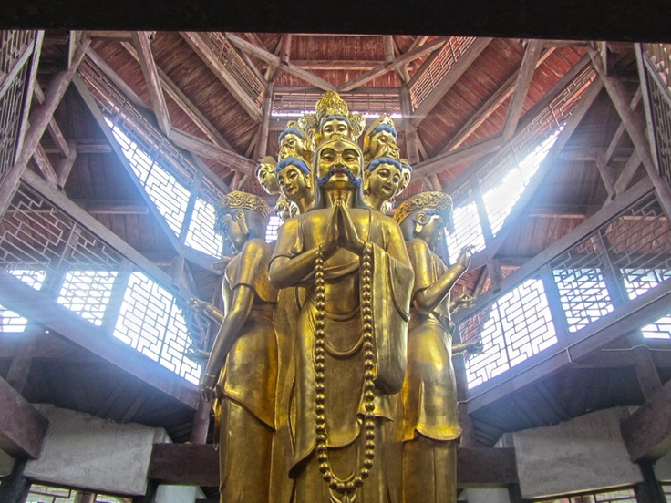 Mount Emei, China, A crazy Buddhist Statue