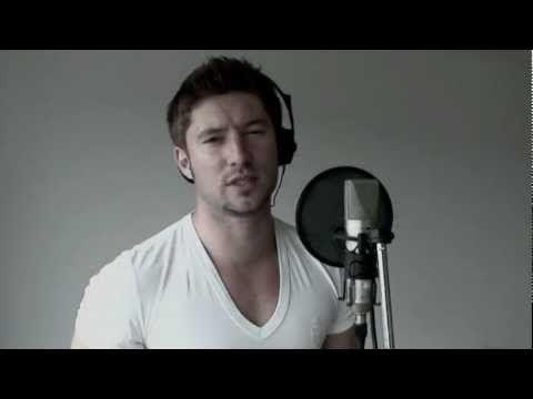 This Guy can really sing