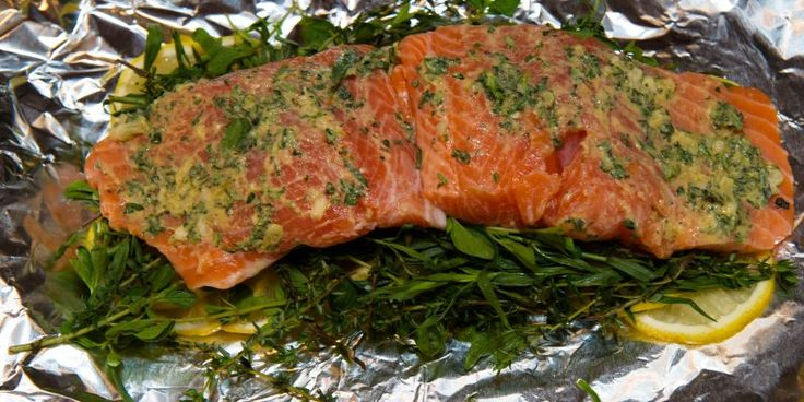 Campfire Cuisine: foil wrapped salmon with herbs and lemon #travel #roadtrips #roadtrippers