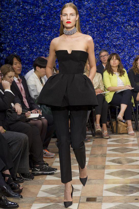 Suvi Koponen au défilé Christian Dior haute couture automne-hiver 2012-2013 http://www.vogue.fr/mode/cover-girls/diaporama/le-top-suvi-koponen-en-50-looks/9383/image/565858#christian-dior
