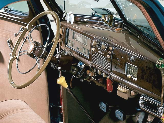 highly accessoried 1939 chevy interior vintage auto accessories p. Black Bedroom Furniture Sets. Home Design Ideas