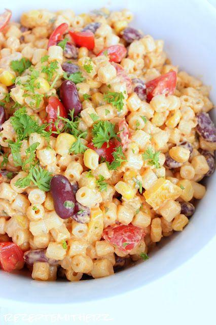 Heute zeigen wir Euch ein wunderbar einfaches und dennoch raffiniertes Rezept für einen mexikanischen Nudelsalat. Als Grillbeilage oder...