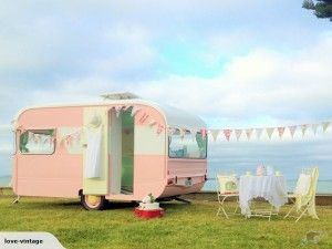 Sweet vintage New Zealand caravan...
