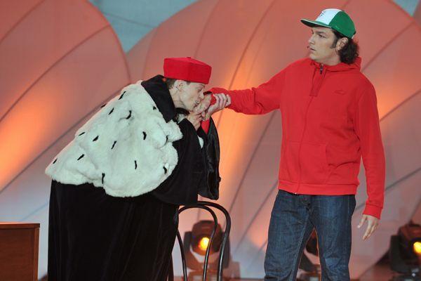 Kabaret Smile najpierw zadbał o uzupełnienie luk w edukacji… (fot. Jan Bogacz/TVP)