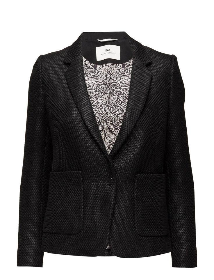 DAY - Day Manila The Manila blazer is a classic yet edgy blazer with its coarsely woven structure. The jacket is tailored in a slim silhouette and has smooth lining to ensure it fits flawlessly. Wear yours with the matching Day Manila tailored trousers.  Single button closure Textured Classic Elegant and feminine Office wear