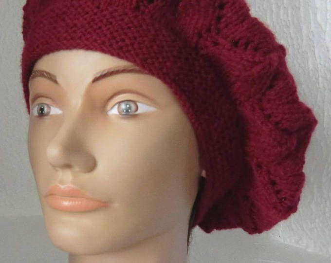 Béret Fantaisie - Femme - En laine - Motifs point fantaisie ajouré - Coloris bordeaux/Grenat - Tricoté à la main