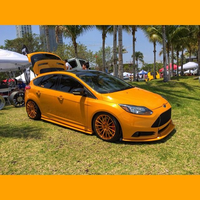 Electric Orange Yellow Mk3 From USA With Gold Rims