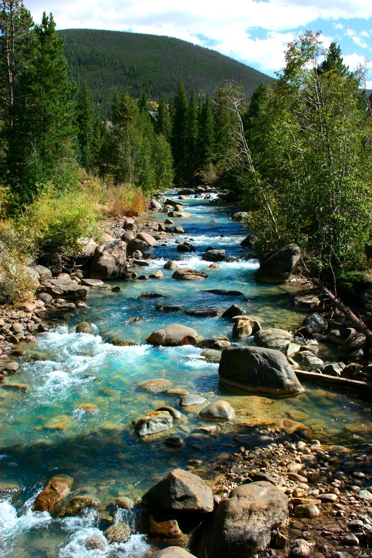 Snake River in beautiful Keystone, Colorado | The Snake River is a short tributary of the Blue River, approximately 15 miles long, in central Colorado in the United States. It drains a mountainous area on the west side of the Front Range in southeastern Summit County east of Keystone.