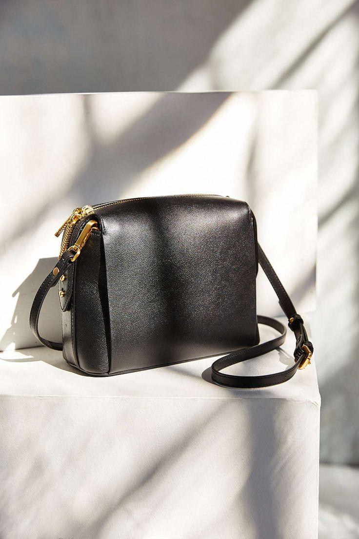 FLYNN Elliott Duffel Bag - Urban Outfitters