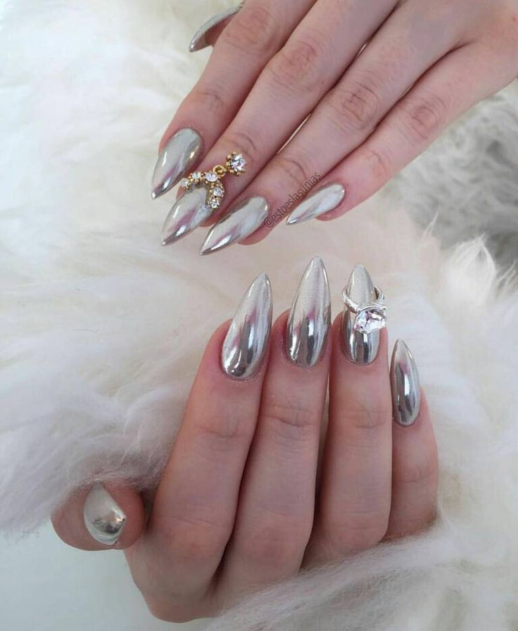 52 best Mirror Chrome & Holographic Nails images on Pinterest ...
