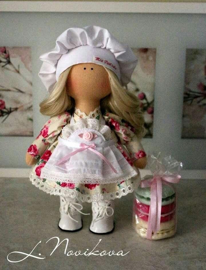 Muñeca con galleta