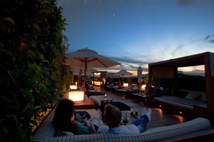 #Barcelona #picture #bynight #Bonavista #underthemoon #stunningcity #terrace #Laisabella
