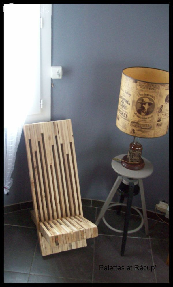 #Design, #PalletChair, #RecycledPallets I made this Stacked Pallet Wood Modern Chair out of two pallets. It is a fairly easy project to do, but takes a little patience. It is well worth it, though.  This Stacked Pallet Wood Modern Chair would look amazing indoors or outdoors! This is