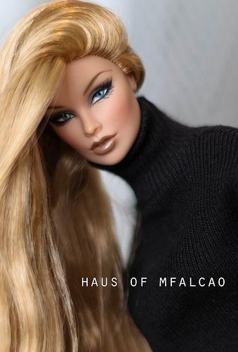 B.1 PRIMI PIANI Fashion Doll