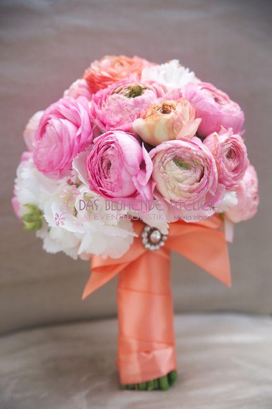brautstrauss wedding pinterest brautstr u e ranunkeln und brautstrau rosa. Black Bedroom Furniture Sets. Home Design Ideas