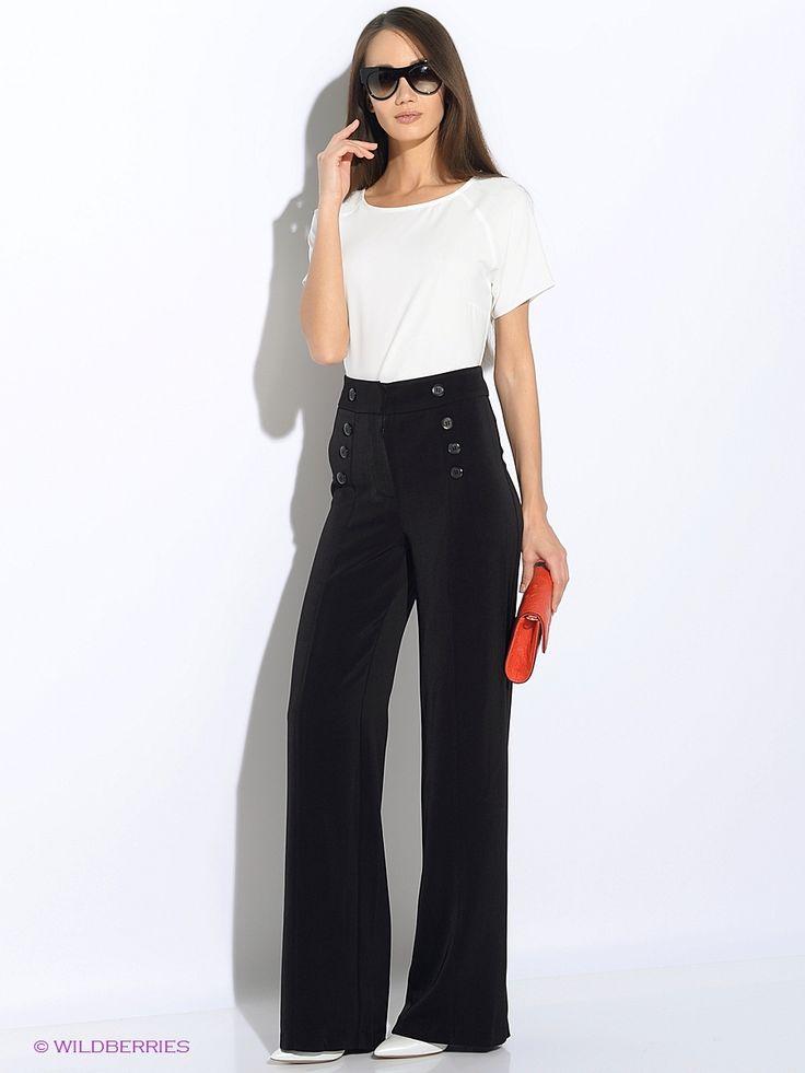 Стильные широкие брюки, выполненные из костюмной ткани. Рост 170см.