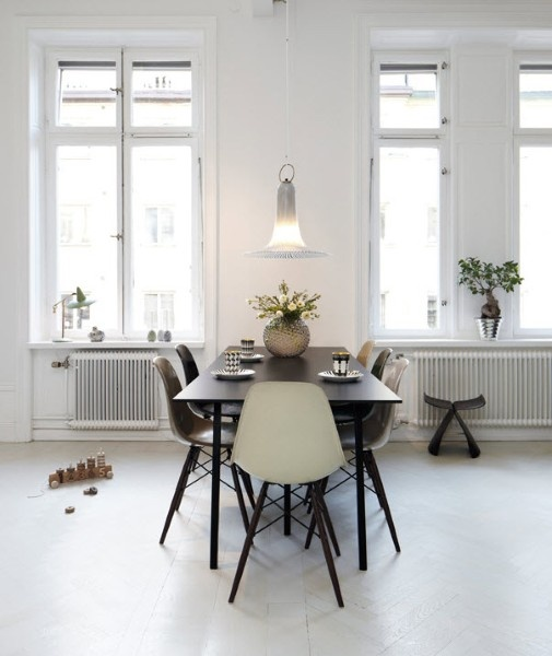 13 best images about keuken on pinterest atrium house eat in kitchen and vintage - Stoelen eames ...