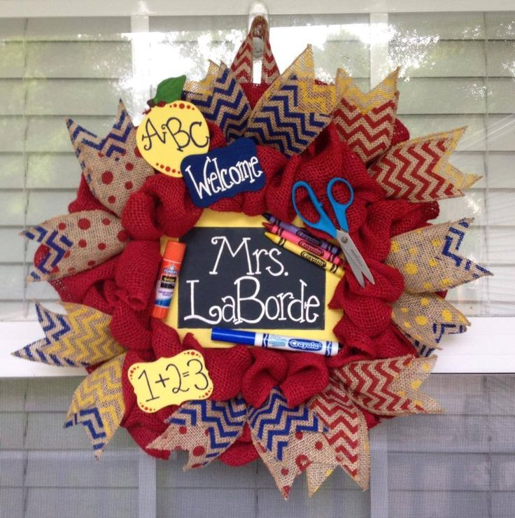 http://www.facebook.com/cutecraftsbyash Made by Ashley Hughes Burlap Teacher themed wreath in primary colors