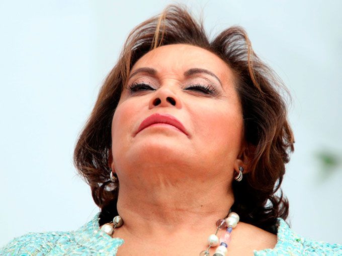 La polémica ex presidenta del Sindicato Nacional de Trabajadores de la Educación (SNTE), Elba Esther Gordillo celebra hoy su cumpleaños número 70. La libertad, ¿será el mejor regalo que reciba este año?