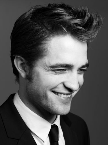 .Robert Pattinson....love his smile