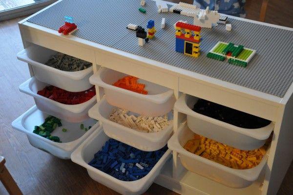 Table DIY à fabriquer soi-même pour ranger les LEGO  http://www.homelisty.com/rangement-lego/