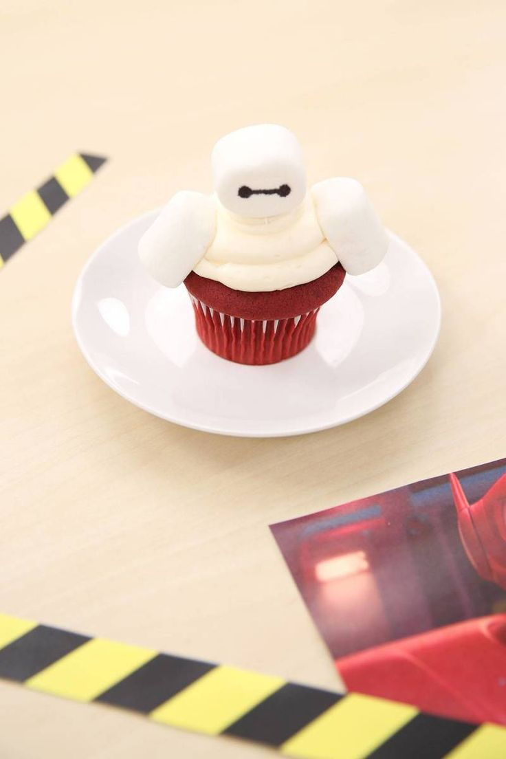 Scan complete: These are the tastiest Big Hero 6 cupcakes! | Baymax cupcakes | Disney dessert recipe | [ http://di.sn/6009BfVRx ]