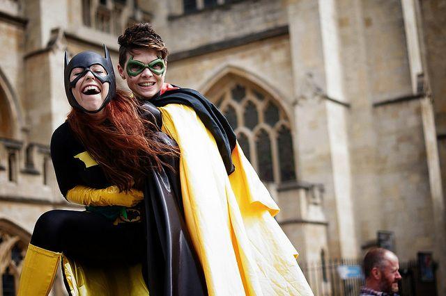 Surprise Bat-Hug - Batgirl cosplayed by Roxy Kinnin, Robin cosplayed by Lilprince
